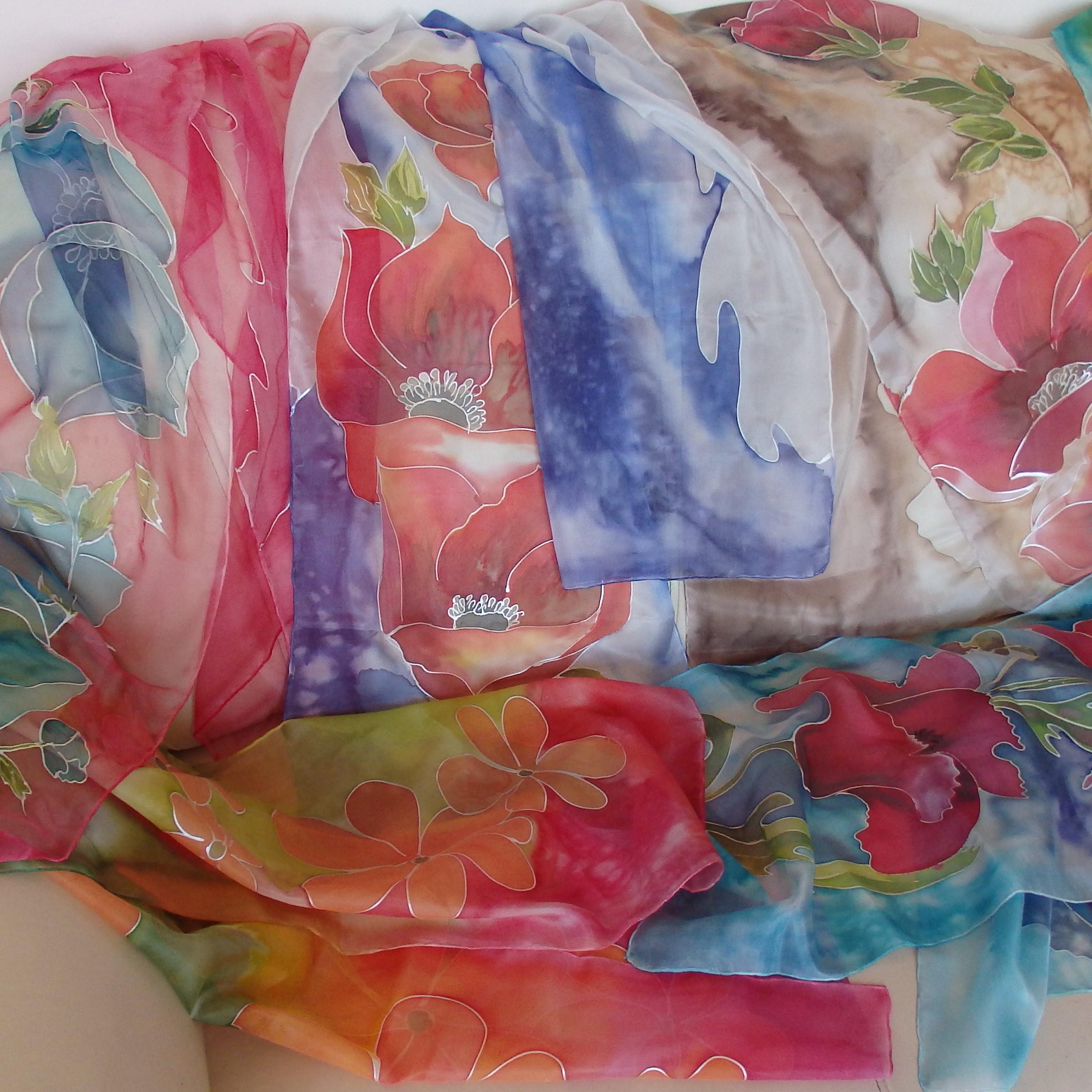 Ръчно рисувани шалове