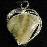 Висулка - планински кристал с Рутил