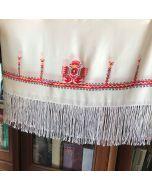 Копринен шал с бродирана шевица от Гоце Делчев