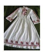 Ръчно бродирана дамска рокля
