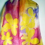 """Ръчно рисуван шал  """"Стилизирани цветя на фон маджента"""""""