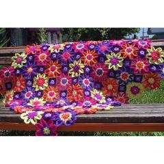 Есенни цветя, ръчно плетена покривка