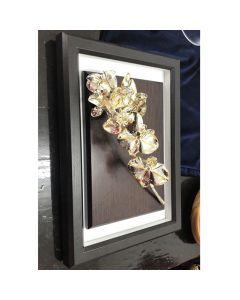 Картина с естествена посребрена и частично позлатена орхидея