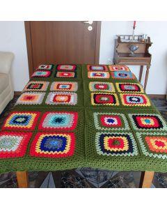 Многоцветно, ръчно плетено одеяло Магията на гората