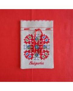 Бродирана торбичка с българска шевица
