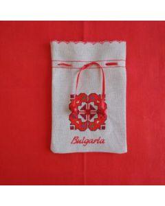 Бродирана торбичка с българска бродерия