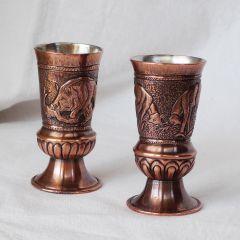 Ръчно кована медна чаша за ракия с ловни сцени