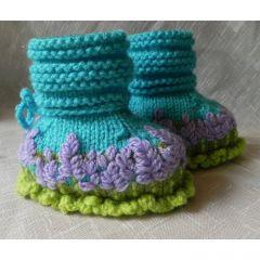 Плетени терлички за момченце