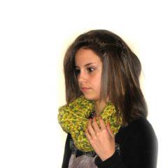 Плетен шал на една кука