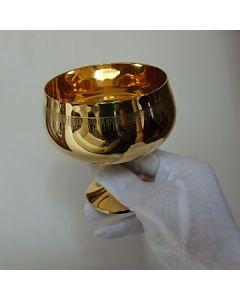 Позлатена чаша за коняк