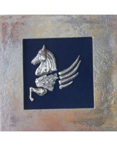 Пегас, стенна скулптура