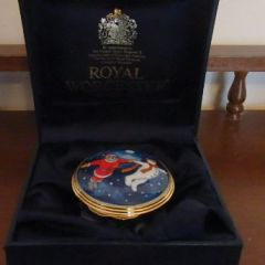 """Порцеланова кутийка """"Незабравима нощ"""", """"Royal Worcester"""""""
