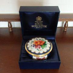 Порцеланова кутийка Цветята на Уорчестър
