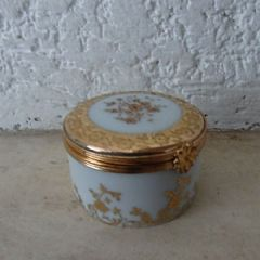 Малка кутийка от костен порцелан, Limoges Castel, France