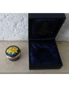 Порцеланова кутийка Нарциси на Роял Уорчестър