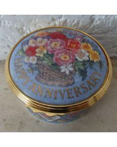 Порцеланова кутийка, Честита годишнина, Роял Уорчестър