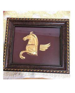 Картина с Пегас, позлатен  ритон от съкровището в с. Вазово