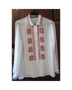 Бродирана дамска блуза от естествена коприна с шевица от Ловешкия край