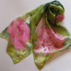 "Рисуван шал ""Стилизирани цикламени цветя """