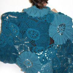 Плетен огромен шал на една кука