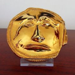 Маска, реплика от съкровището в Далакова могила