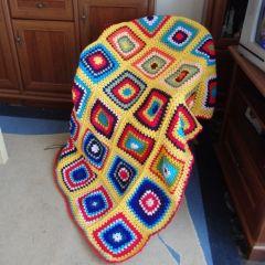 """Плетено одеяло на една кука """"Слънчево"""""""