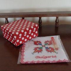 Кърпичка с бродерия, подарък за Коледа