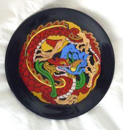 Дракон, рисувана керамична чиния