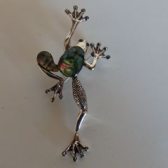 Брошка жаба на късмета, цветен седеф