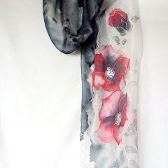 "Рисуван шал ""Червени цветя на черен фон"""