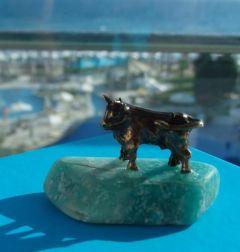 Зодия телец, миниатюра с камък