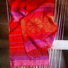 Ръчно тъкан шал, Магия, огън и страст